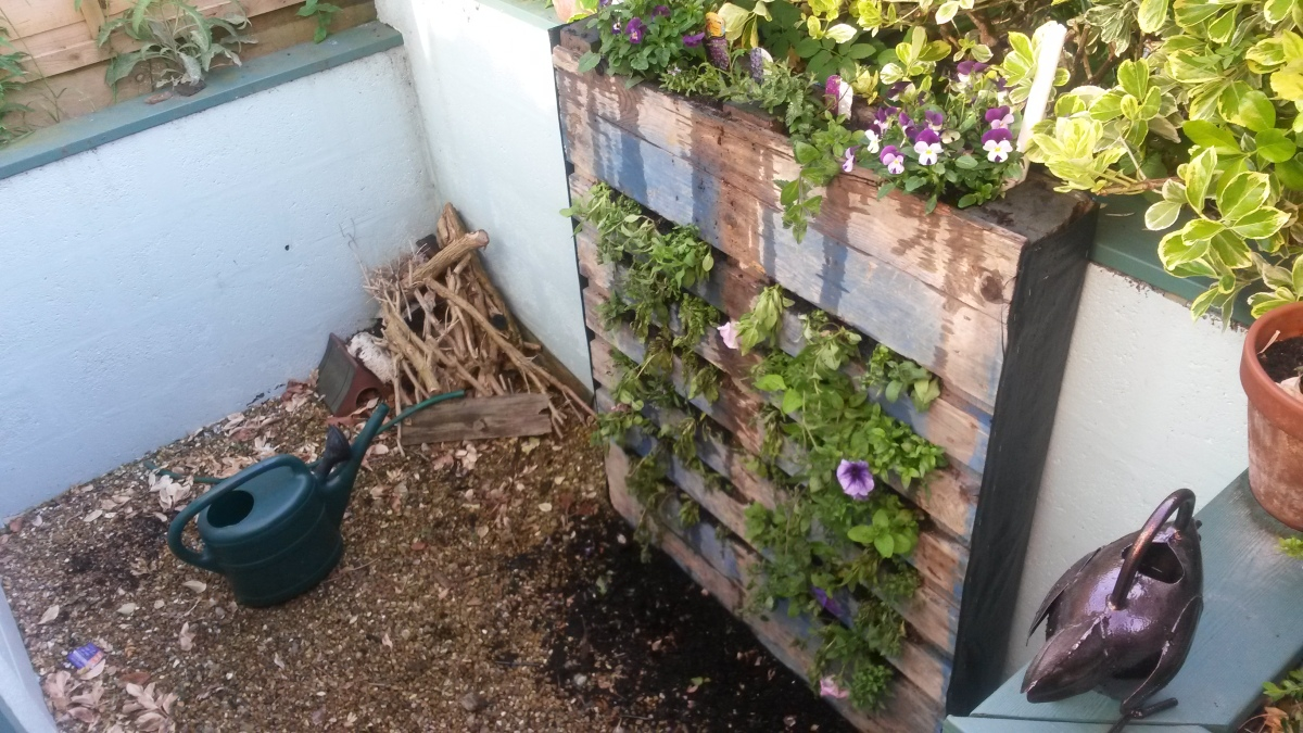 How to turn a pallet into a vertical flower planter